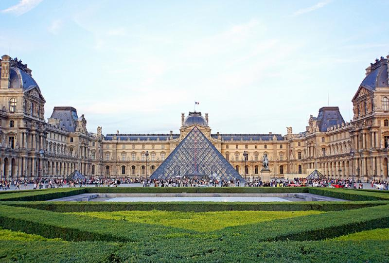 Louvre Museum in Paris, Photo Credit by archer10 via Flickr